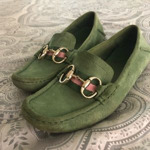 Green horse bit Gucci loafers